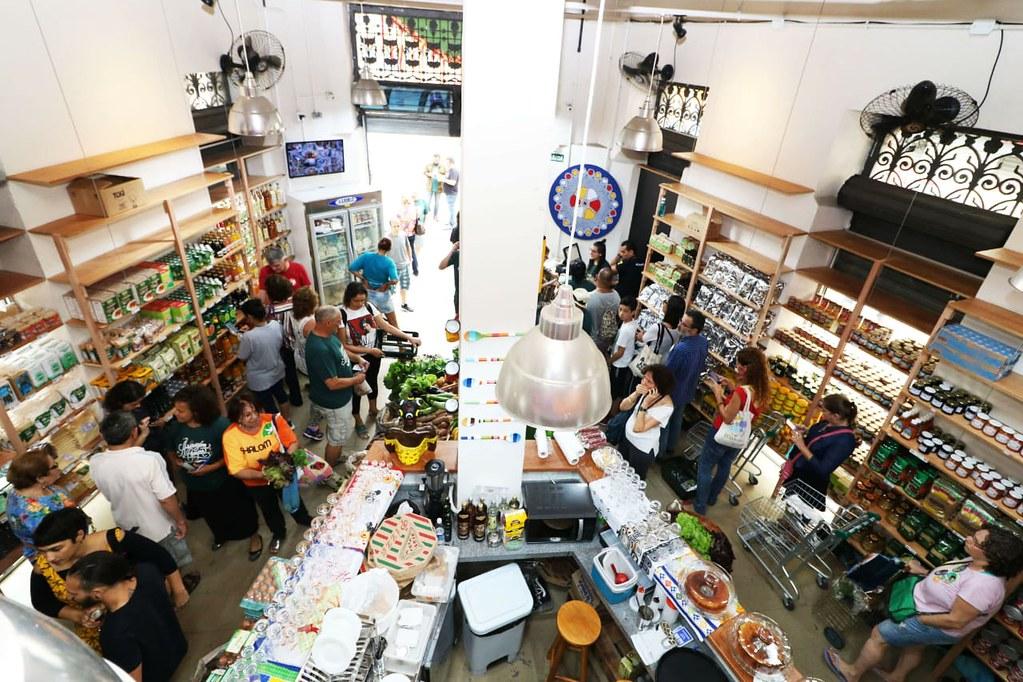 Iniciativas como o Armazém do Campo (RJ) possibilitam a comercialização de alimentos produzidos de modo agroecológico. Foto: Pablo Vergara.