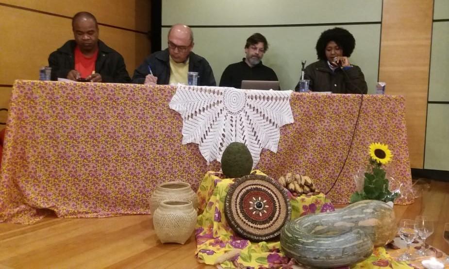 Debate deu destaque para as questões referentes aos obstáculos para titulação de territórios quilombolas. Foto: Lizely Borges