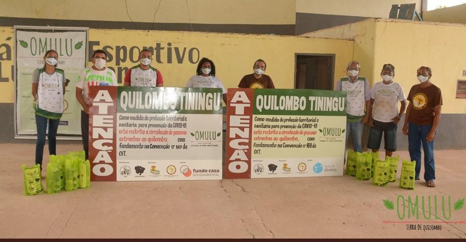 Para enfrentar pandemia entre os quilombos, FOQS criou o projeto Omulu. Com o apoio de entidades - entre elas a Terra de Direitos - produziu ações como distribuição de cestas básicas, materiais de higiene, e instalação de placas nos territórios. / Foto: Projeto Omulu