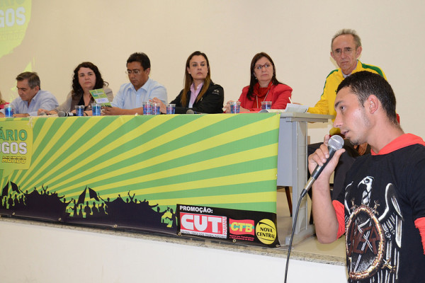 Alan Banach, morador da Vila Nova Costeira, em São José dos Pinhais, local onde mais de 300 famílias estão ameaçadas de remoção pela construção da 3ª pista do Aeroporto Afonso Pena
