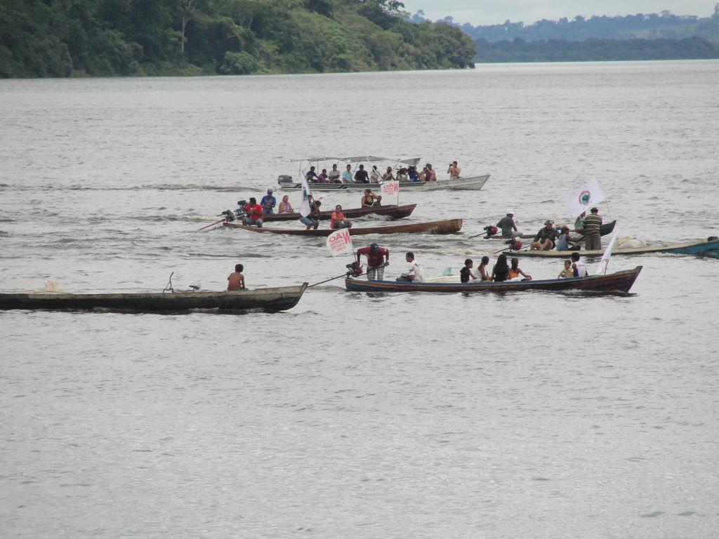 """""""Grande Pescaria em Defesa do Xingu e Contra Belo Monte"""": protesto em março de 2011"""
