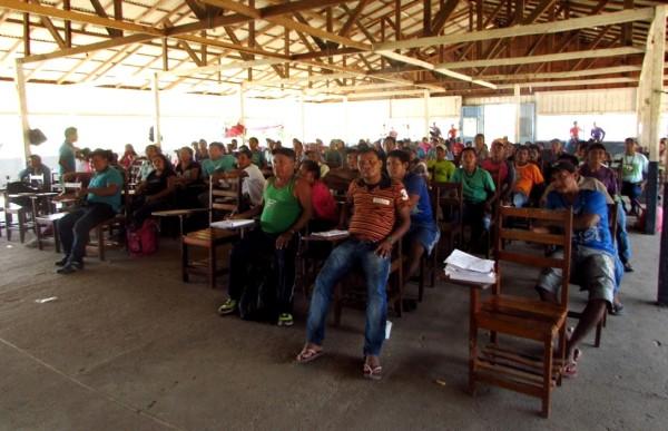 Conferência Local de Política Indigenista na aldeia Karapanatuba (foto: Layza Queiroz)