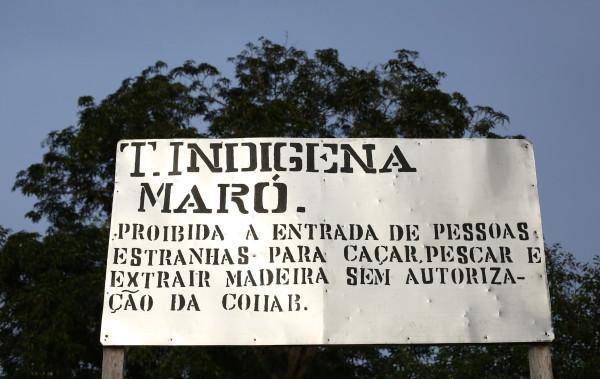 Placa feita pelo Conselho Indígena Intercomunitário Arapium Borari (Foto: Ana Aranha)