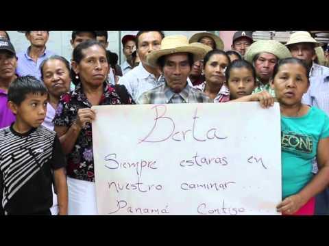 Nesta foto, homenagem à liderança indígena Berta Cáceres, defensora de Direitos Humanos assassinada em Honduras, em 03 de março de 2016.