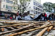 Movimento dos Trabalhadores Rurais Sem Terra acampa em frente ao Incra, em Curitiba, durante Jornada Nacional de Lutas. (foto: Wellington Lenon)