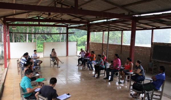 Oficina de mulheres no quilombo Patos de Ituqui, no último dia 15 de março