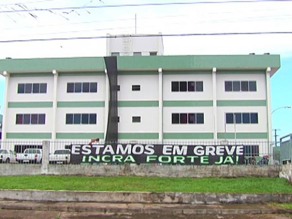 Imagem da greve dos servidores em julho de 2015. (Foto: Reprodução/TV Tapajós)